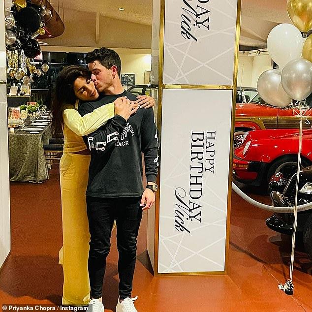 Priyanka Chopra mừng sinh nhật Nick Jonas.