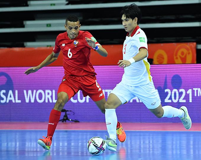 Tuyển futsal Việt Nam gặp rất nhiều khó khăn trước sức ép của Panama nhưng vẫn bảo vệ được tỷ số 3-2 tới khi kết thúc trận đấu. Ảnh: VFF