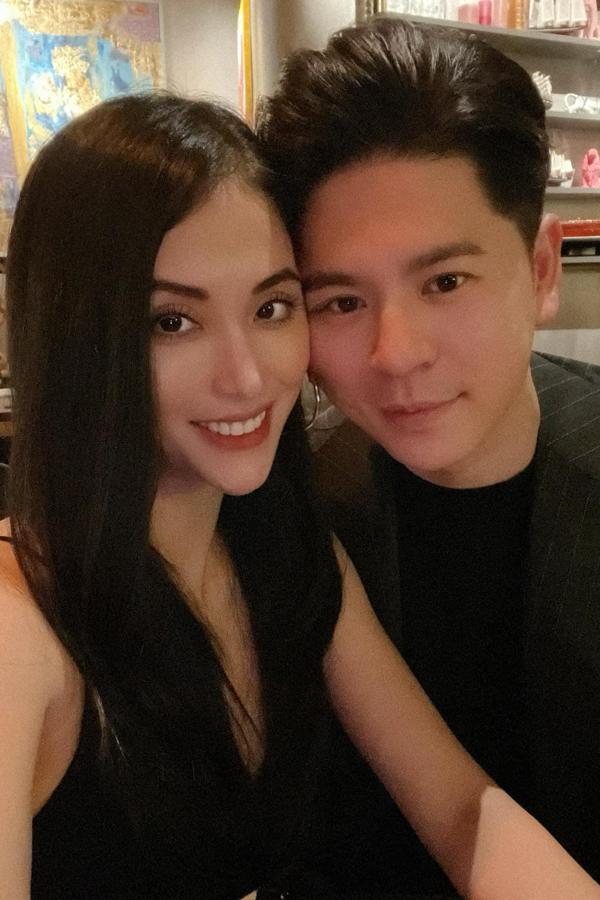 Mai Hồ kỉ niệm sáu năm yêu nhau cùng ông xã Việt kiều Nam Bùi. Hiện cả hai cùng con gái Mai Vi có cuộc sống viên mãn tại Đức.