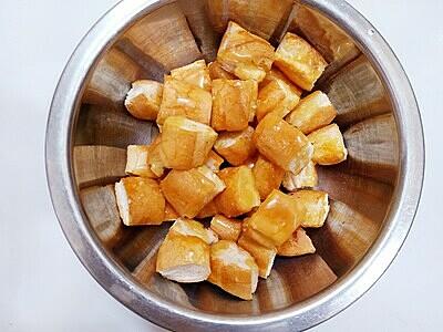 Bánh mì ruốc xốt chanh leo - 4