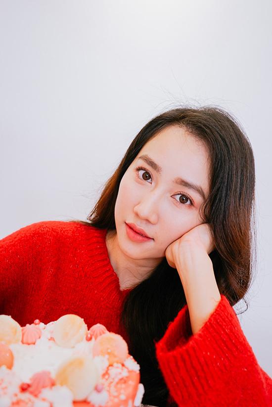 Huỳnh Hồng Loan rất thích học làm bánh nhưng việc ship hàng ở TP HCM vẫn chưa thuận lợi nên cô không kịp mua đủ nguyên liệu để tự tay làm một chiếc cho sinh nhật mình.