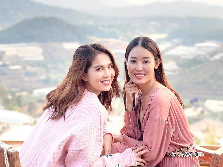 Gần đây, Minh Phương cùng Ngọc Trinh, Vũ Khắc Tiệp bắt tay kinh doanh một thương hiệy nội y.