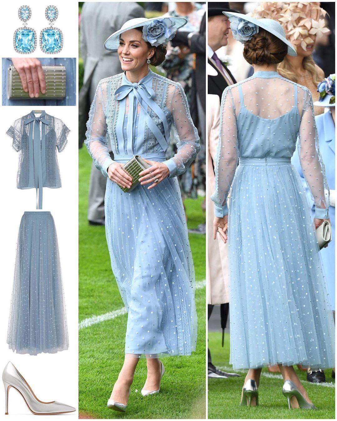 Cô khéo léo biến tấu từ thiết kế sơ mi tay ngắn trong bộ sưu tập Resort 2019 trở thành đồ tay dài thanh lịch, kín đáo. Thời điểm đó, bộ trang phục xanh ngọt ngào này từng giúp Kate tạo nên cơn sốt.