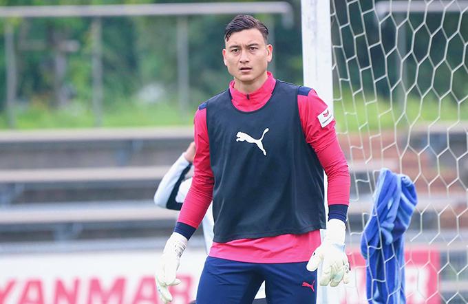 Văn Lâm dính chấn thương trong lúc tập luyện cùng Cerezo Osaka, ít ngày sau khi sau khi thi đấu cho tuyển Việt Nam ở trận gặp Australia. Ảnh: ĐVL