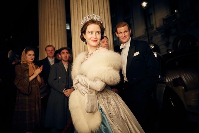 Claire Foy đẹp rạng rỡ khi hóa thân nữ hoàng thời trẻ. Ảnh: CNBC