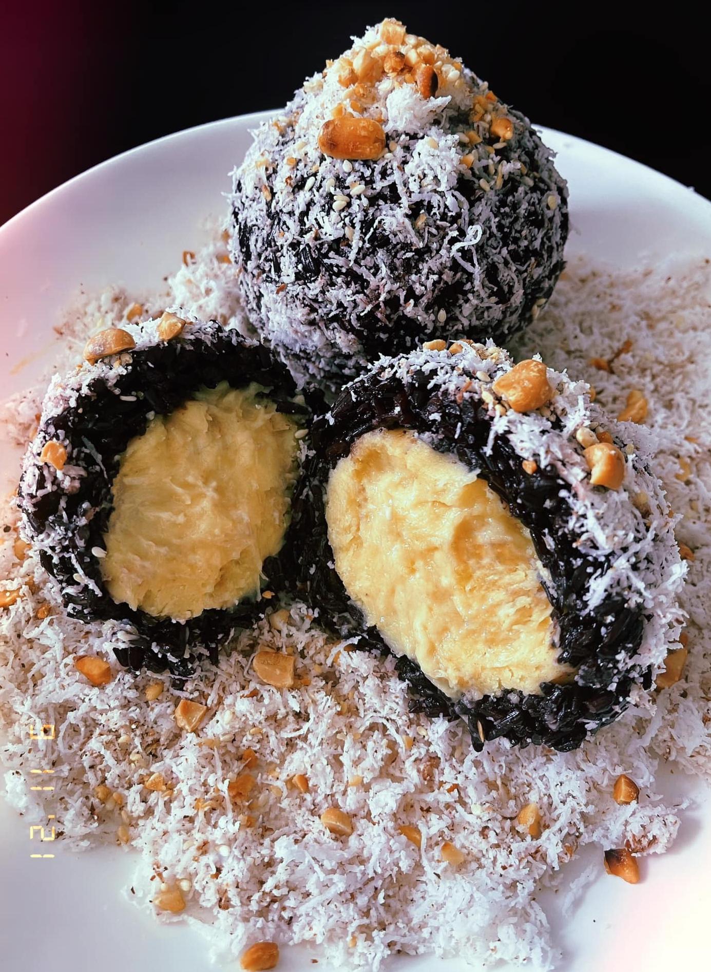 BB Trần mua một quả sầu riêng làm bốn món bánh - 5