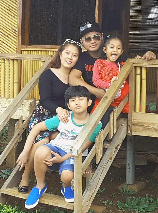 Y Jang Tuyn qua đời để lại vợ và hai con nhỏ.