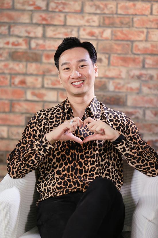 MC Thành Trung khi dẫn chương trình Sing for life, Sing for love hôm 9/9.