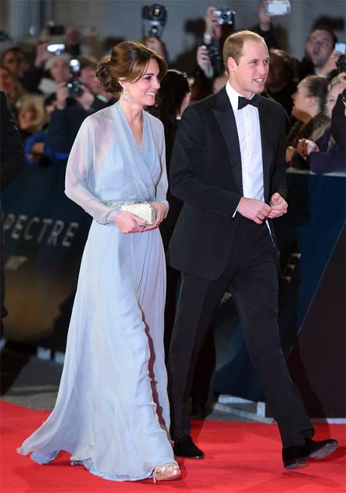 William và Kate xem công chiếu Điệp viên 007 hồi năm 2015. Ảnh: Karwai Tang