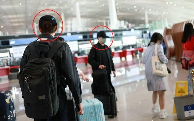 Ngụy Đại Huân, Khải Uy gặp nhau ở sân bay.