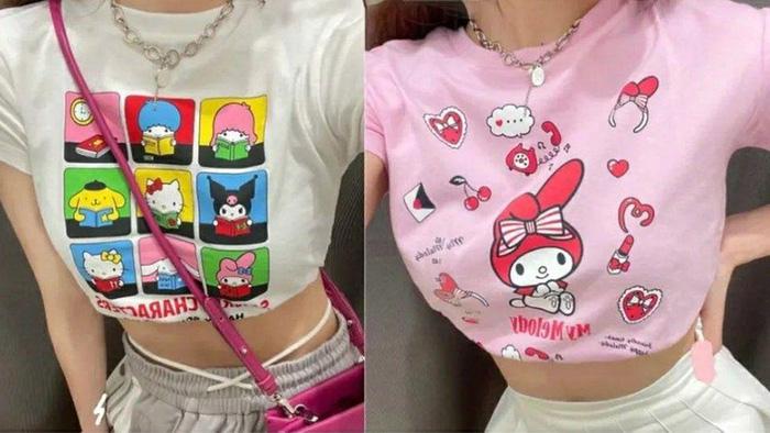 Mặc những bộ đồ tí hon của trẻ em cũng trở thành mốt. Gần đây, mạng xã hội Trung Quốc lại rộ lên hashtag adults trying on Uniqlo childrens clothes (tạm dịch: người lớn mặc thử quần áo trẻ em của Uniqlo), nhận được hàng trăm triệu lượt quan tâm. Hình ảnh các cô gái trong phòng thử đồ, khoe cơ thể diện vừa áo phông mini của trẻ em tạo nên tranh cãi gay gắt về nỗi lo vóc dáng quá mức.