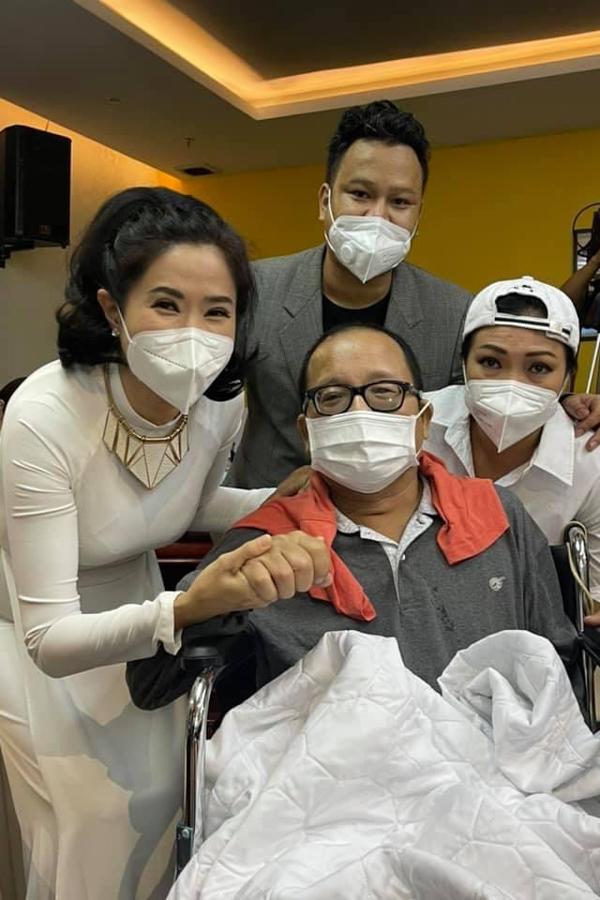 MC Quỳnh Hoa cùng ca sĩ Phương Thanh vui mừng khi hay tin nghệ sĩ saxophone Trần Mạnh Tuấn đã hồi phục tốt sau cơn đột quỵ hôm 17/8.