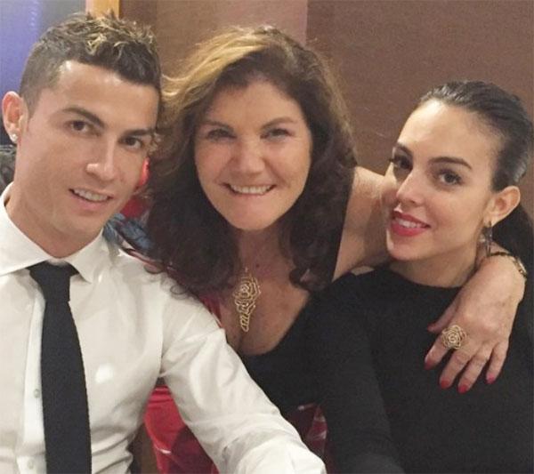 Bà Dolores khẳng định giữa bà và bạn gái của con trai không có xích mích. Ảnh: Instagram