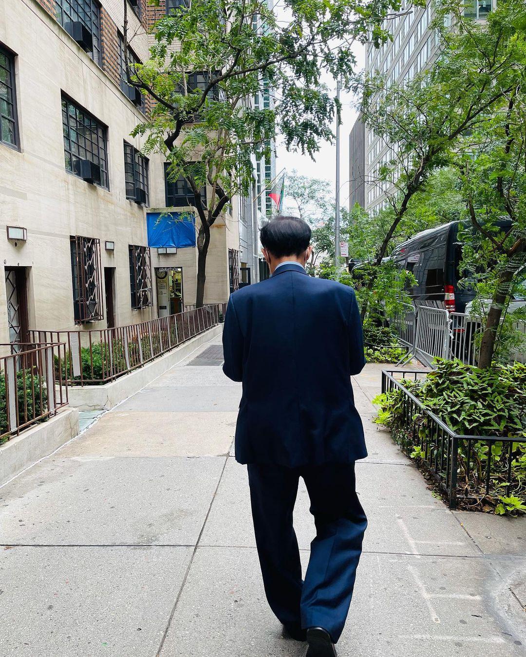 Philip Nguyễn cùng cha tỷ phú ăn fast food khi công tác ở Mỹ - 1