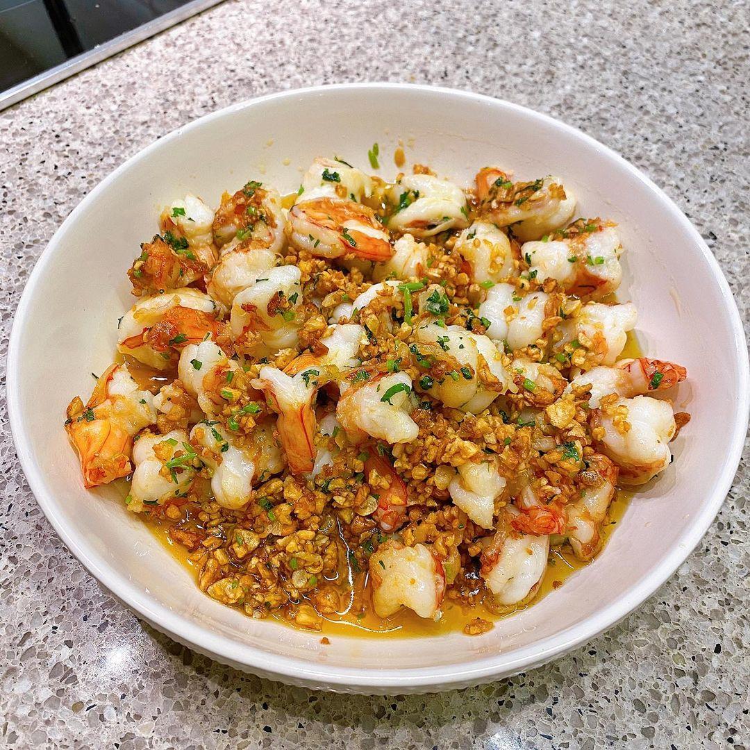 [Caption] Garlic shrimp