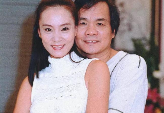 Lưu Tuyết Hoa và người chồng danh chính ngôn thuận Đặng Dục Côn.