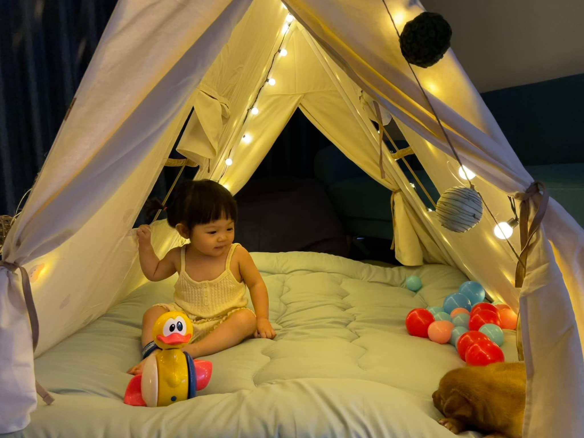 Cường Đôla chọn lều chóp du mục - kiểu lều phổ biến trong các khu cắm trại