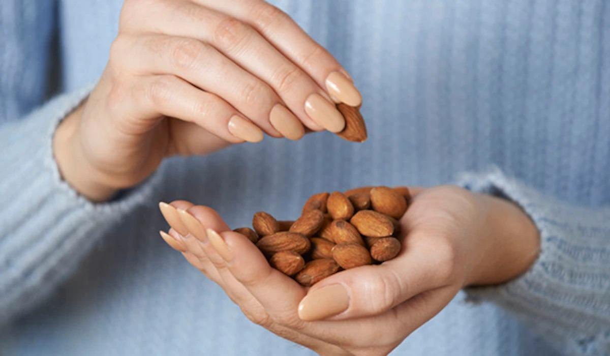 Một nắm hạnh nhân giúp cải thiện sức khỏe, hỗ trợ giảm cân.