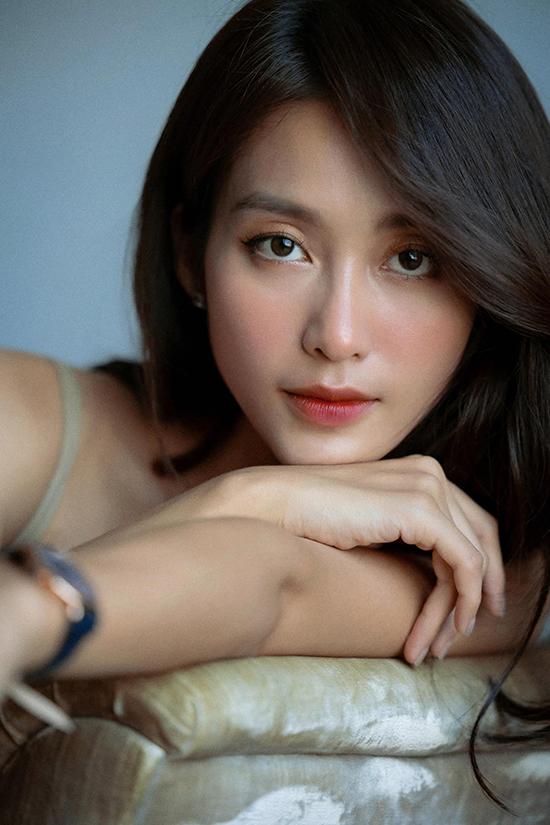 Ngoài diễn xuất, Khả Ngân còn lấn sân ca hát với các sản phẩm: Cô gái Việt Nam và Em đau lòng thế anh vừa lòng chưa.