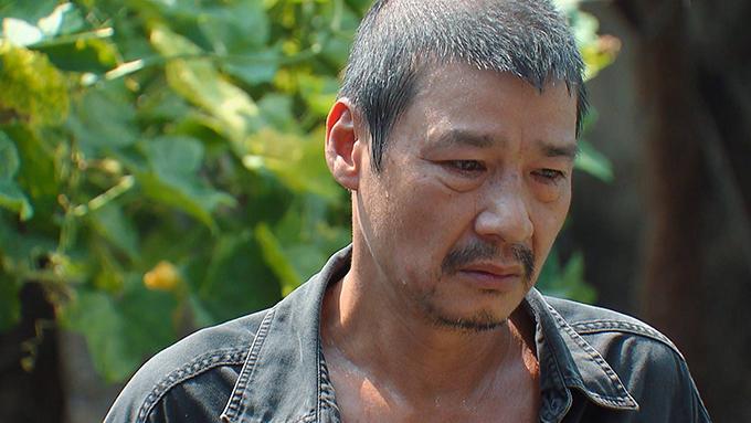 NSƯT Võ Hoài Nam gây ấn tượng khi tái xuất với vai ông bố tù tội.