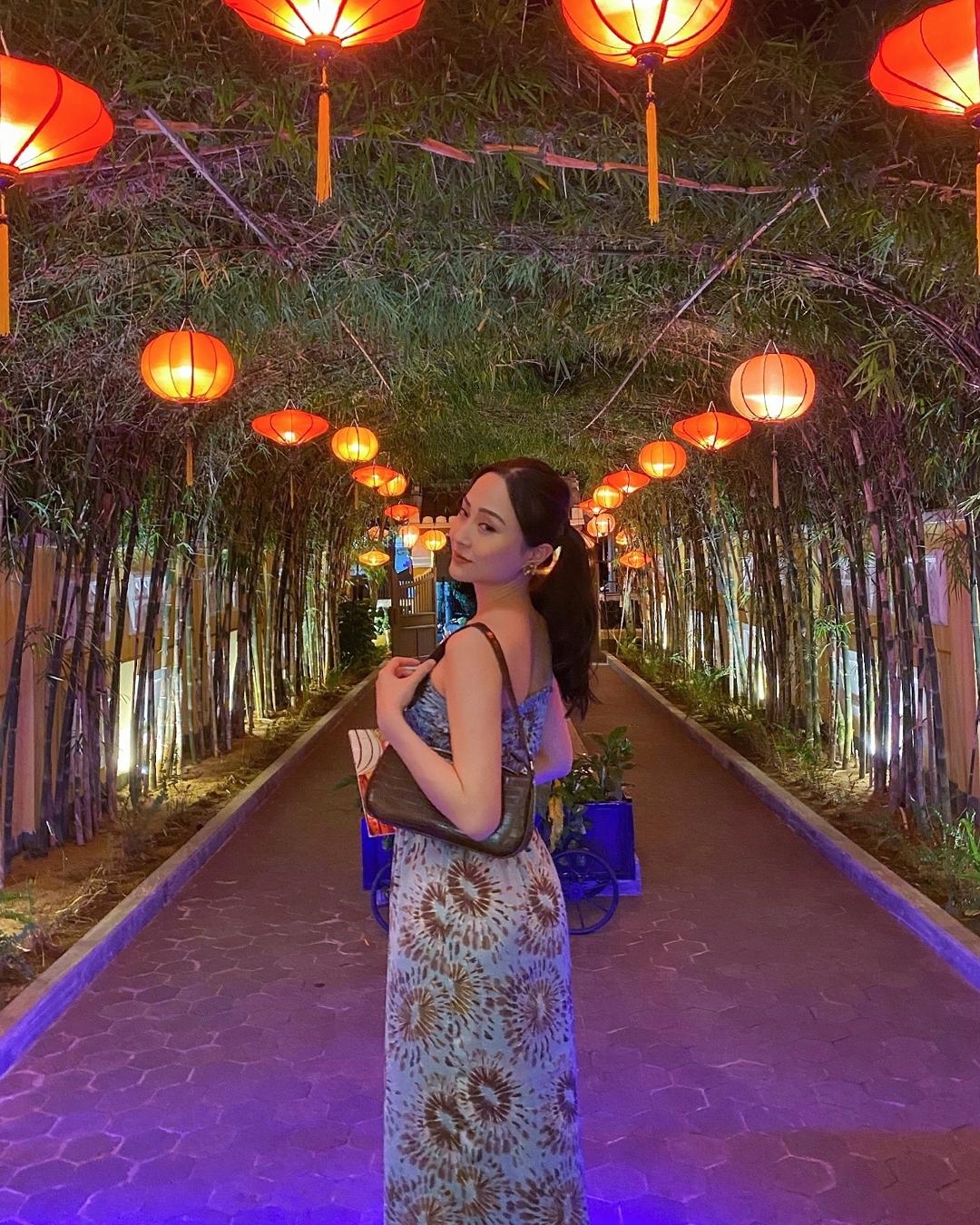 Á hậu Hong Kong gốc Việt chu du 5 châu 4 bể - 19