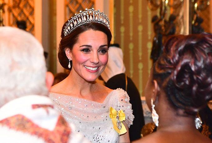 Kate đội vương miện của Diana tới sự kiện do Nữ hoàng tổ chức tại Điện Buckingham tối 4/12/2018. Ảnh: PA
