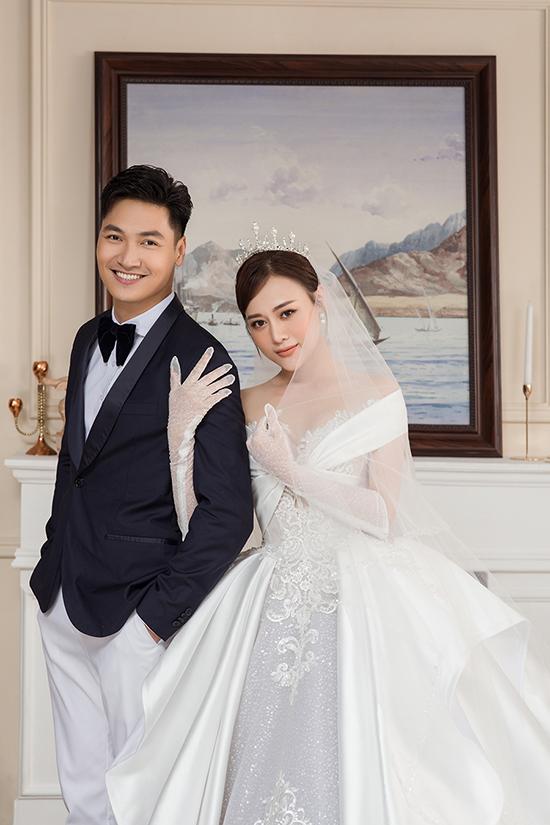 Ảnh cưới của Mạnh Trường - Phương Oanh trong Hương vị tình thân. Ảnh: NVCC