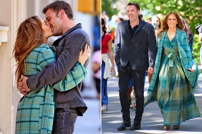 Ben Affleck rạng rỡ bên Jennifer Lopez ở New York vào cuối tháng 9. Ảnh: Backgrid