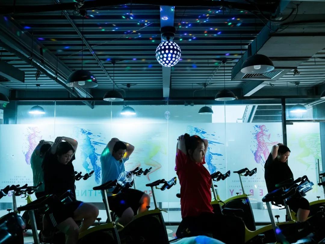 Lớp đạp xe của Zhou Yuting.