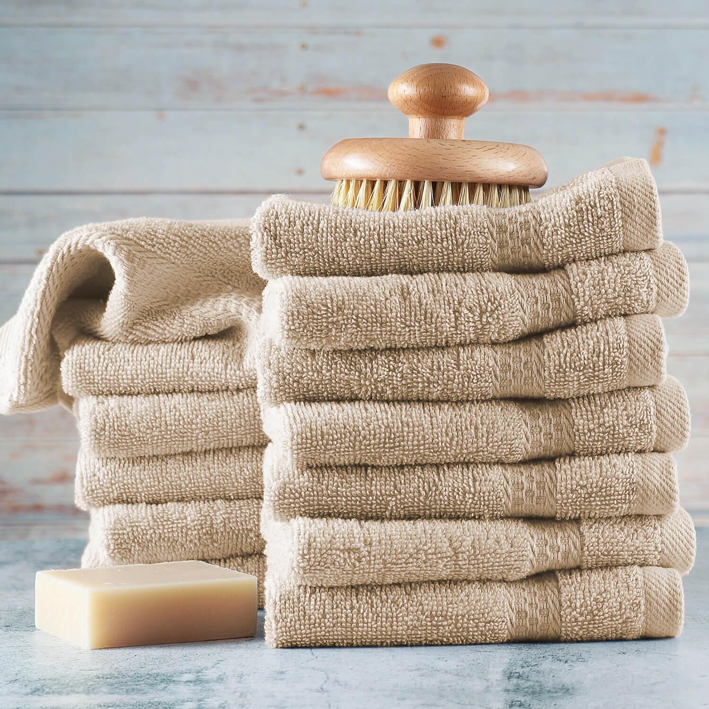 Nên sử dụng khăn mặt và khăn tắm riêng biệt.