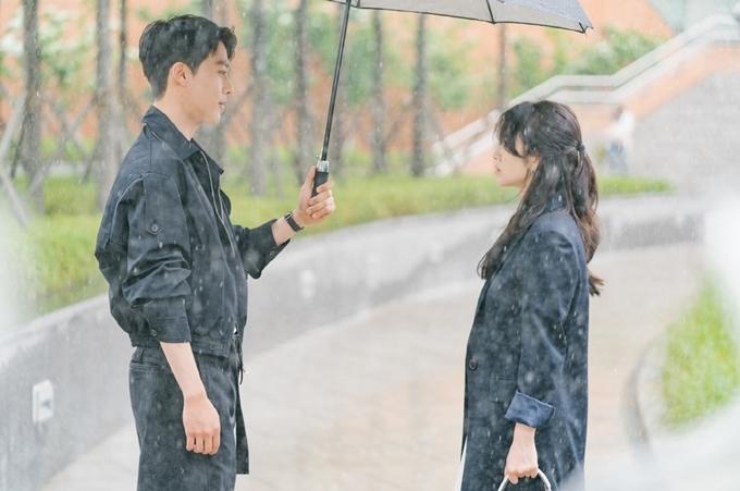 Phim Now, We Are Breaking Up khai thác những dư vị của tình yêu và chia tay. Phim sẽ lên sóng trong tháng 11, vào tối thứ 6 và thứ 7 hằng tuần, thay thế phim Nữ thanh tra tài ba của hoa hậu Honey Lee.