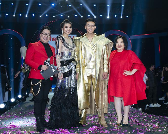Thanh Hằng và Mạc Trung Kiên (đứng giữa) trong đêm chung kết The Face Vietnam 2018.