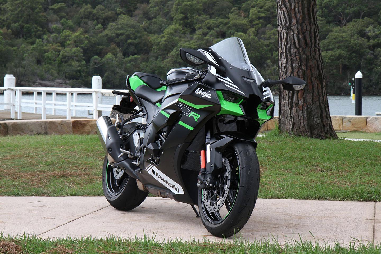 Kawasaki Ninja ZX-10R 2021 với thiết kế dàn vỏ thể thao, hầm hố. Ảnh: Motorcyclenews