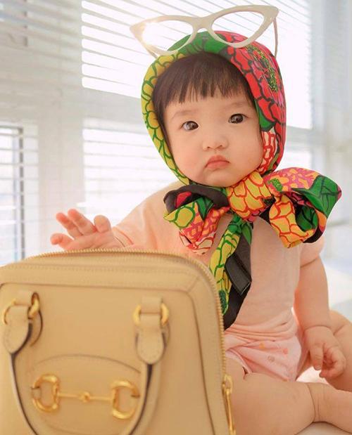 Bé Winnie của gia đình Đông Nhi - Ông Cao Thắng.