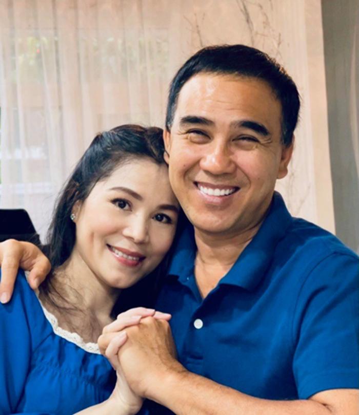 Suốt 16 năm kết hôn, diễn viên và bà xã - doanh nhân Dạ Thảo - coi trọng sự cảm thông, thấu hiểu. Ảnh: Facebook Quyền Linh