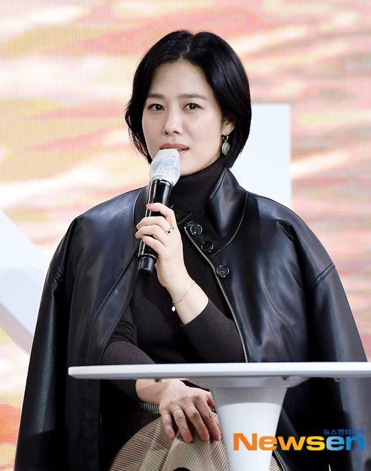 Mỹ nhân Giày thủy tinh Kim Hyun Joo tuổi 44 - 2
