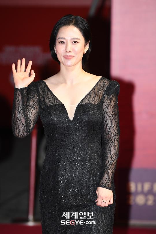 Mỹ nhân Giày thủy tinh Kim Hyun Joo tuổi 44 - 6