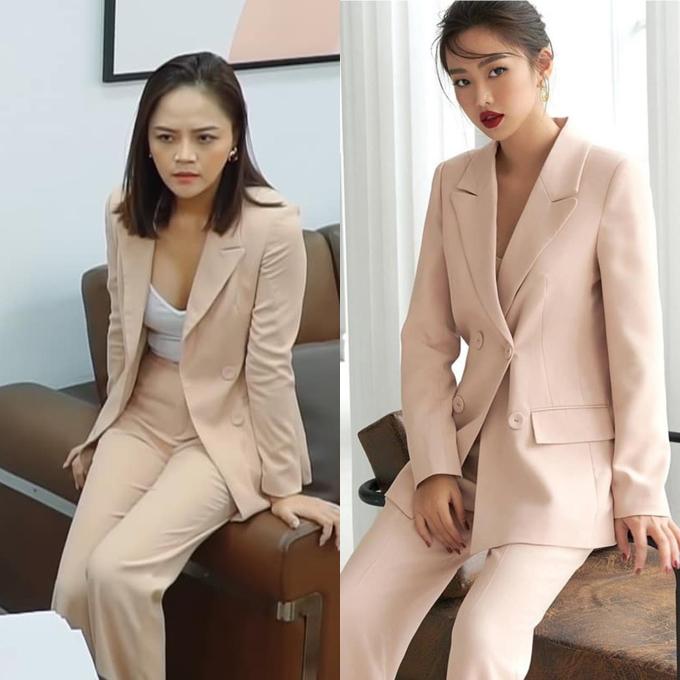 Set suit màu hồng da có giá 899.000 đồng giúp Thu Quỳnh tôn lên thân hình mảnh mai, quyến rũ.