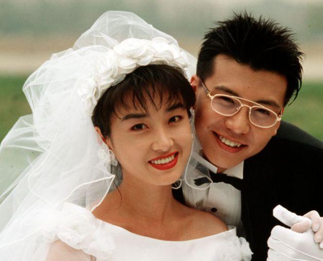 Son Ji Chang và Oh Yeon Soo khi kết hôn năm 1998.