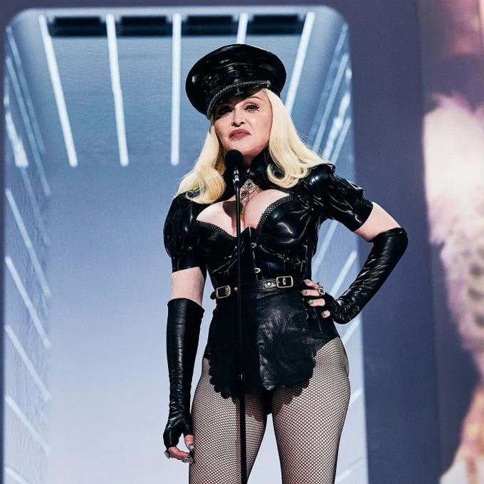 Madonna tại VMAs tối 12/9. Ảnh: Us Weekly