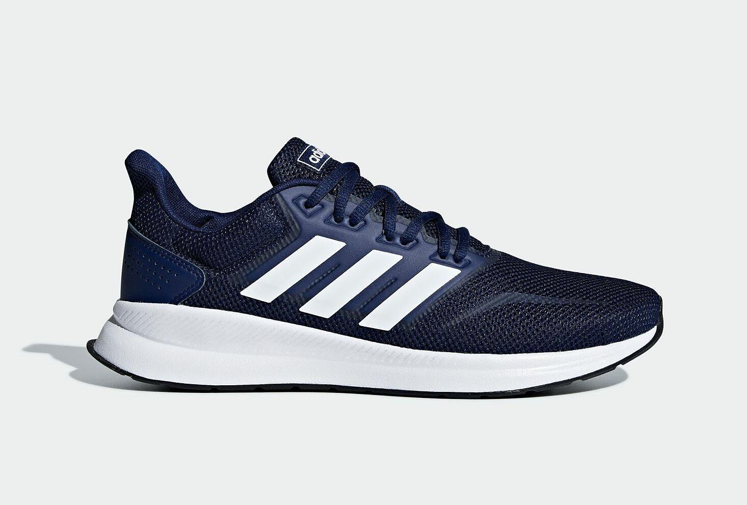 Giày thể thao nam Adidas FalconRun F36201 giảm 29% còn 1,39 triệu đồng; thiết kế đơn giản, cổ điển mang nét đặc trưng của Adidas, giúp người mang dễ phối đồ và sử dụng trong mọi hoàn cảnh. Sản phẩm cho bạn trải nghiệm cảm giác nhẹ nhàng và êm ái nhờ lớp đế ngoài giảm sốc và lớp đệm lót ôm sát lòng bàn chân, phù hợp cho mọi hoạt động hàng ngày.