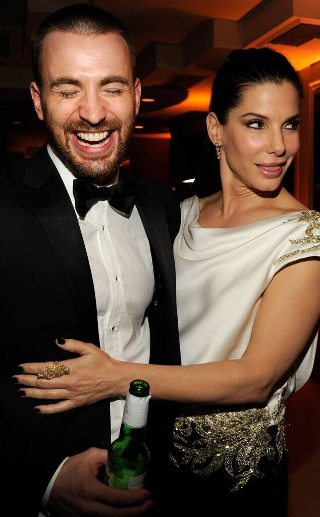 Chris Evans được trông thấy đi ăn tối với nữ diễn viên Lời cầu hôn Sandra Bullock nhiều lần vào đầu năm 2014. Chris từng thổ lộ Sandra là cô gái trong mơ từ khi anh còn ở tuổi teen. Tuy nhiên cả hai đều phủ nhận chuyện hẹn hò. Nguồn tin khi đó cho biết cặp sao chỉ thích nhau chứ không thực sự bước vào một mối quan hệ nghiêm túc.