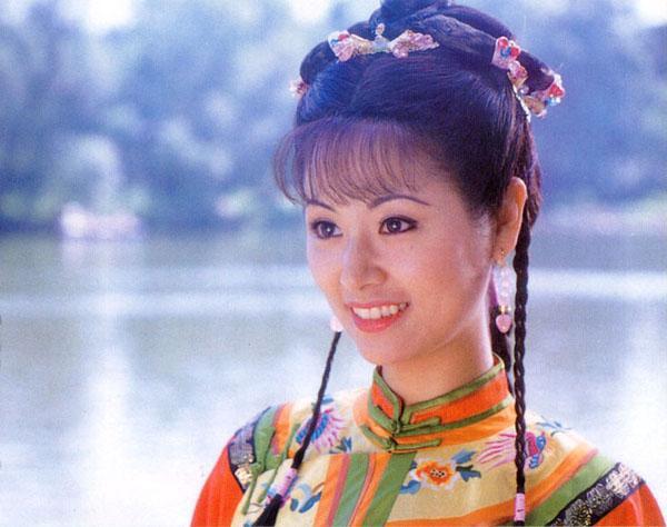 Khi đóng Hoàn Châu Cách cách, Lâm Tâm Như mới đôi mươi, hiện tại cô ngấp nghé ngũ tuần.