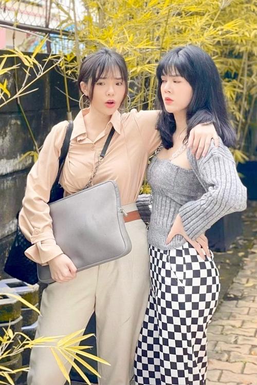 Yeye Nhật Hạ và Lê Ngọc Trinh trong một cảnh quay.