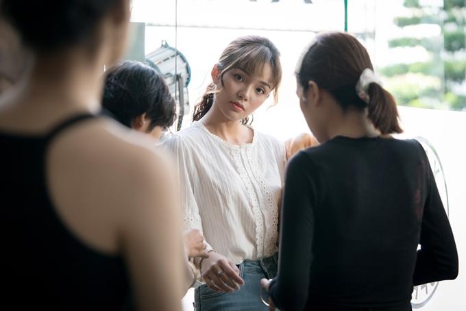 Diễn viên Yeye Nhật Hạ quay những cảnh đầu tiên của phim Hẹn hò cùng thần tượng hôm 10/10.