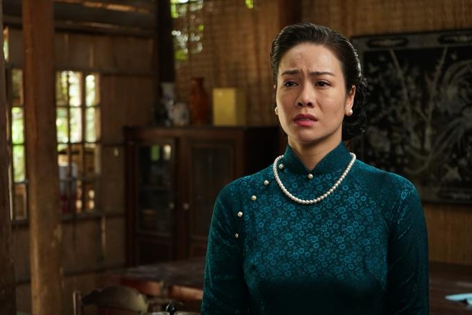 Nhật Kim Anh thể hiện vai diễn từ thời thanh xuân nghèo khổ đến tuổi trung niên trở nên giàu có.