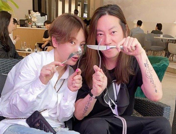 Lee Seung Yeon và ông xã.