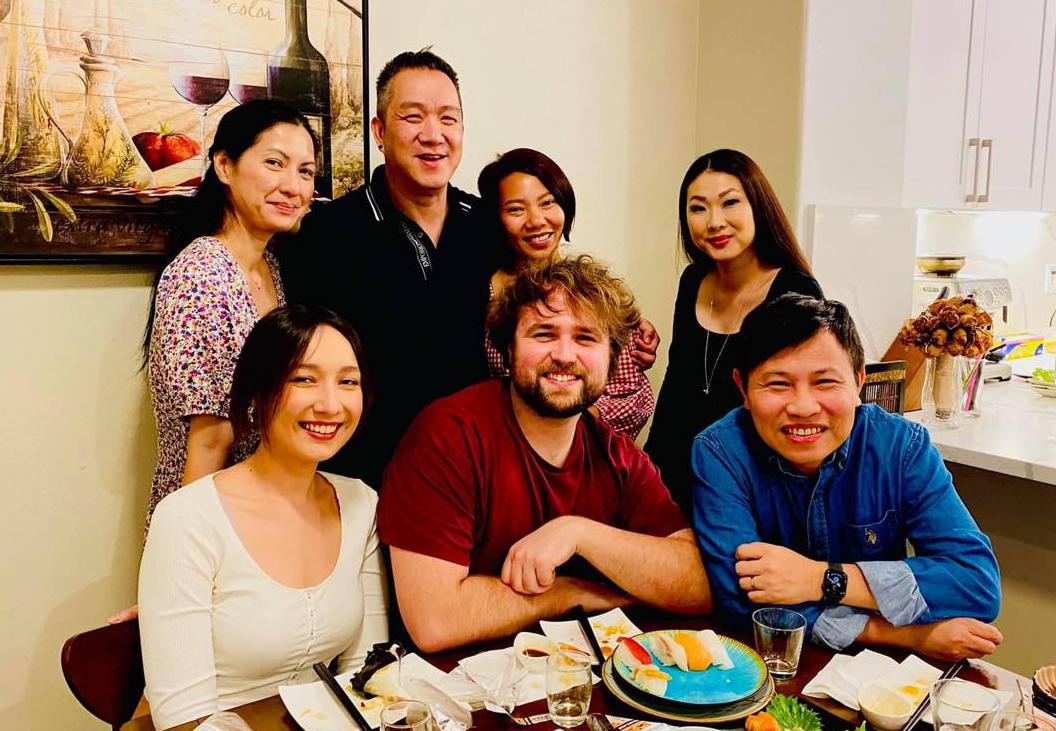 Vợ chồng Huy MC gặp gỡ Trần Thu Hà, Anna Trương và chồng chưa cưới.