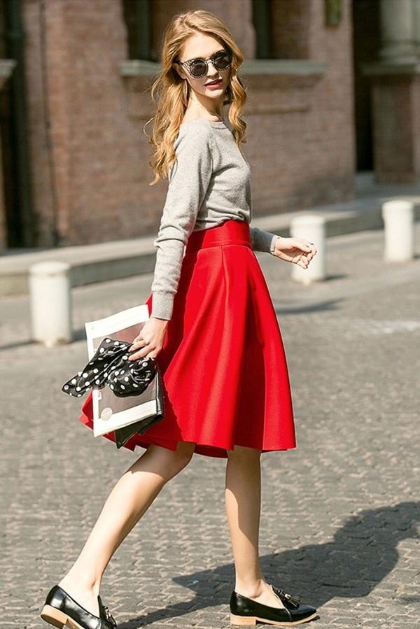 Chân váy tối giảnThiết kế váy bút chì quyến rũ hay dáng chữ A trẻ trung có thể phối ăn ý cùng nhiều mẫu áo.
