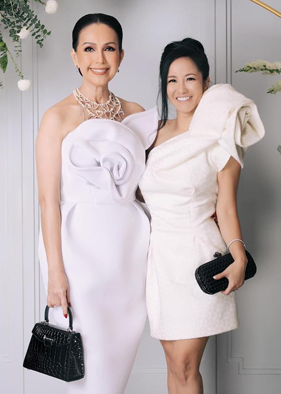 Diễn viên Diễm My và ca sĩ Hồng Nhung.